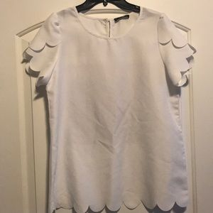 White blouse with short sleeve
